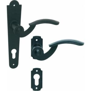 Kované kľučky na dvere a brány